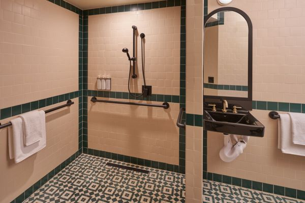 Superior Accessible Room - Roll-in Shower