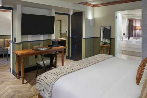 One Bedroom Suite - One King Bed